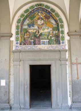 Giovanni_della_Robbia_La_Madonna_che_dona_la_cintola_a_San_Tommaso_Apostolo_1510_1515